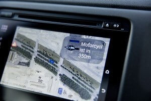 Motorcyclist-Alert-V2X-Connected-Car-NXP-RoadLink